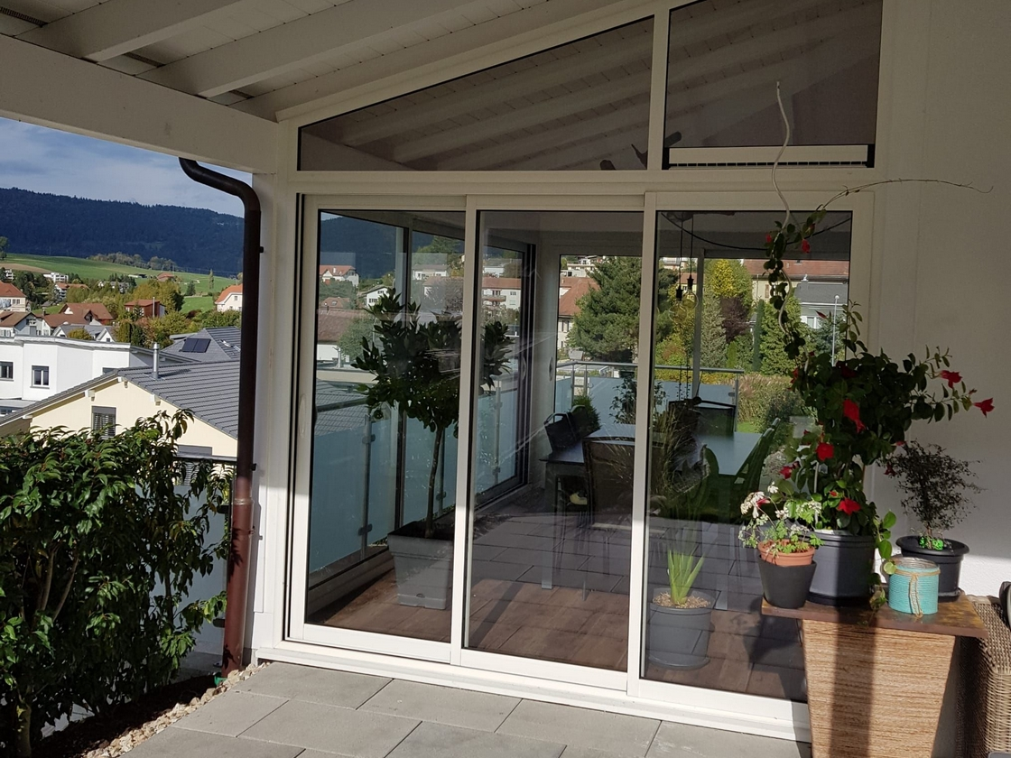 Fermeture de terrasse sous toiture