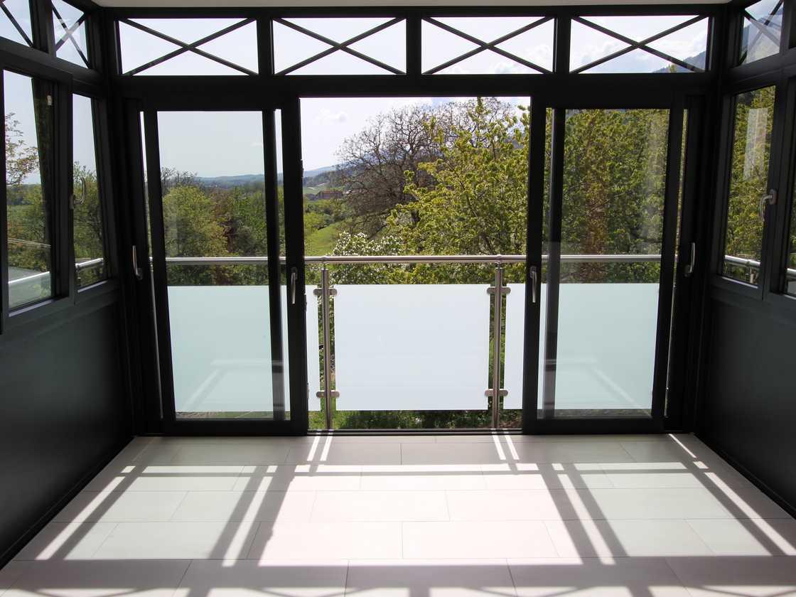Fermeture de balcon à Baulmes – canton de Vaud