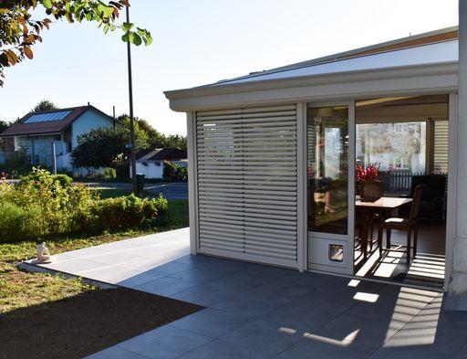 Véranda Bioclimatique en Été au Mont-sur-Lausanne